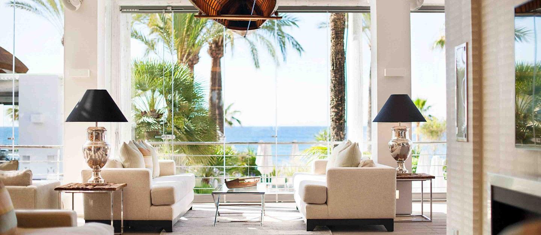 هتل ها و رستوران ها شیشه آماج صنعت آذر